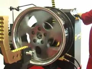 Machine straightening of rims